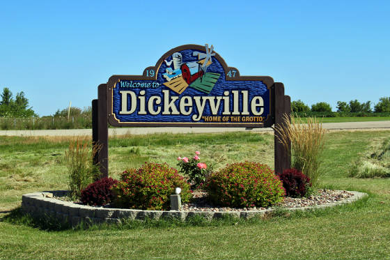 Dickeyville sign